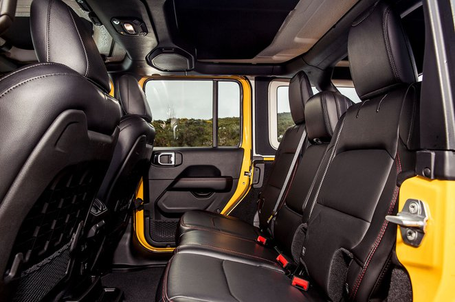 Jeep Wrangler 2019 rear seats