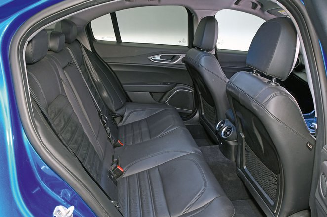 Alfa Romeo Giulia back seats