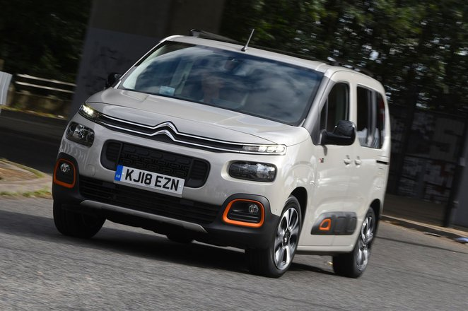 Citroën Berlingo 2021 front cornering