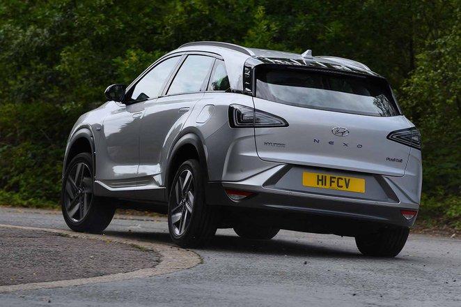 Hyundai Nexo 2019 rear tracking