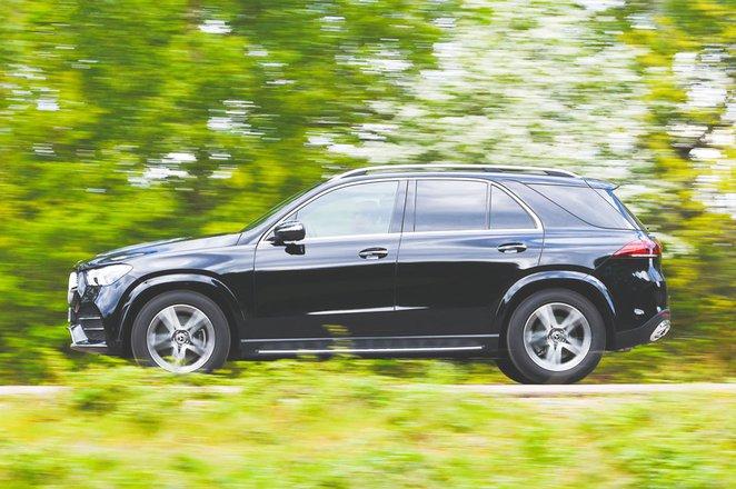 Mercedes-Benz GLE driving