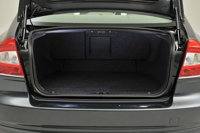 Used Volvo S80 boot