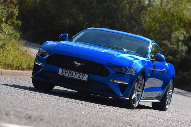 Ford Mustang Coupe 2019 front left cornering