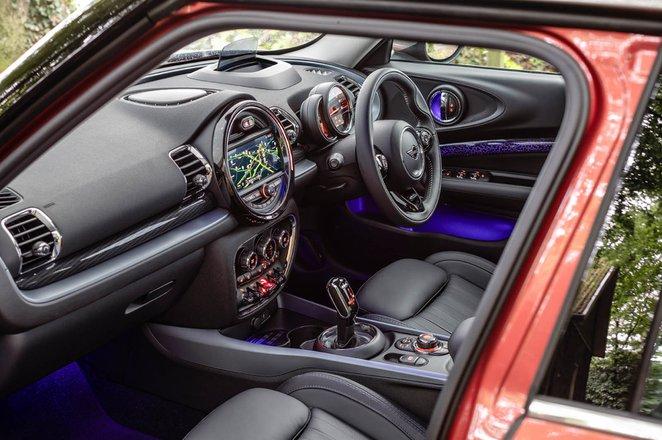 Mini Clubman 2019 RHD front seats