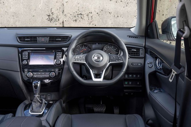 Nissan X-Trail 2019 RHD dashboard
