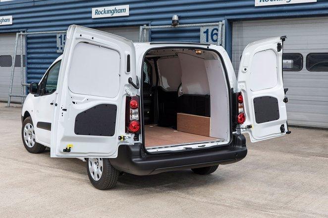 Peugeot Partner Electric load bay