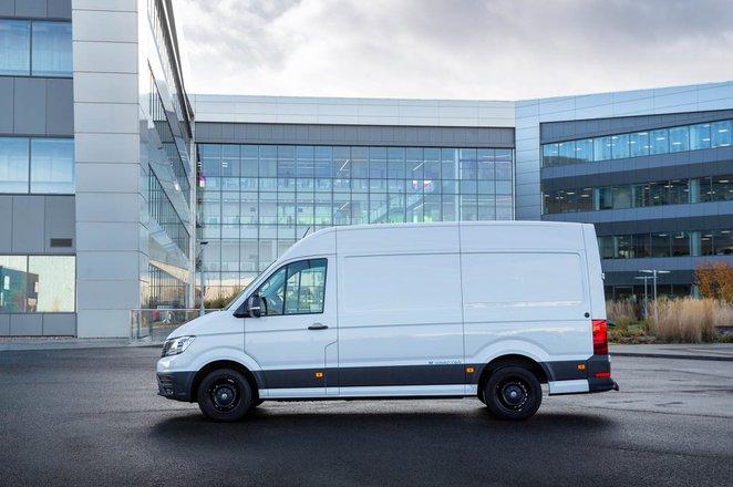Volkswagen e-Crafter side