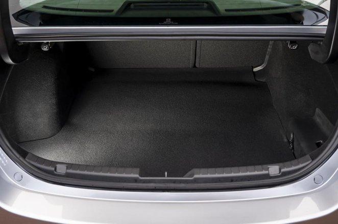 Mazda 3 Saloon boot