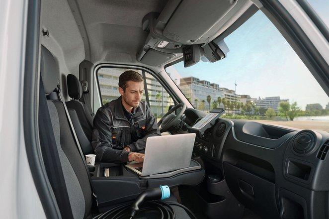 Renault Master ZE interior