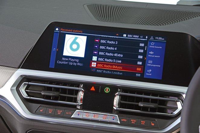BMW 3 Series Touring infotainment