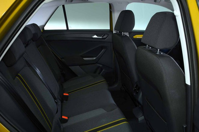 Volkswagen T-Roc 2021 rear seats