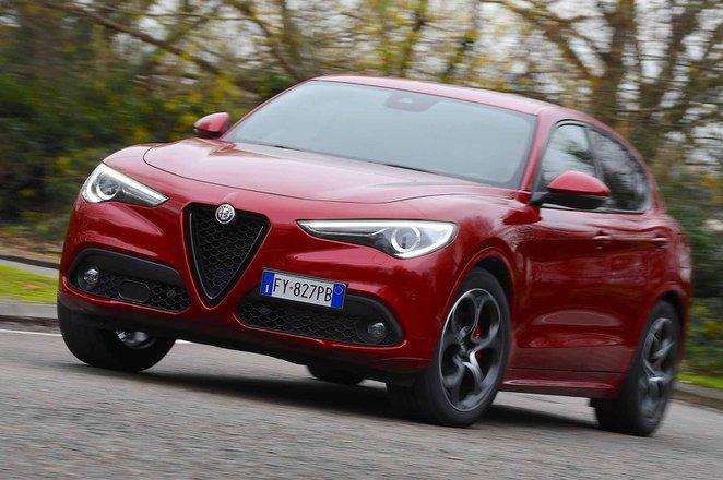 Alfa Romeo Stelvio 2019 front left cornering (LHD)