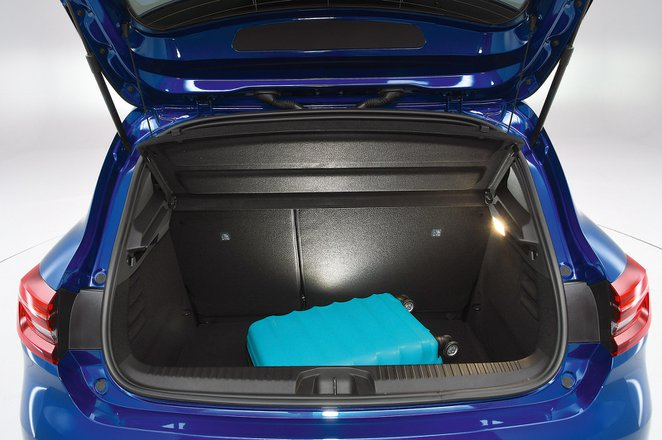 Renault Clio boot