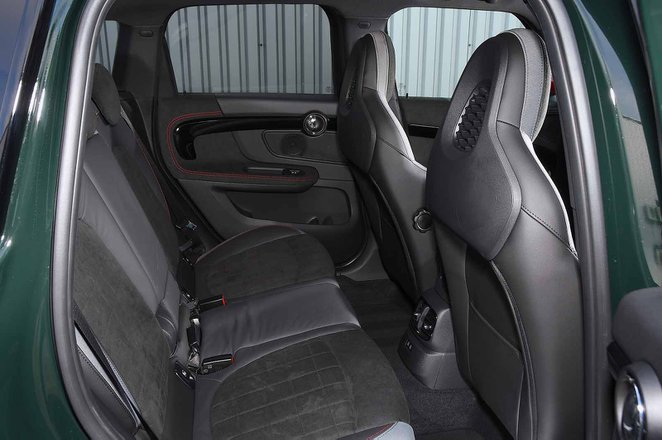 Mini Countryman JCW 2020 rear seats RHD