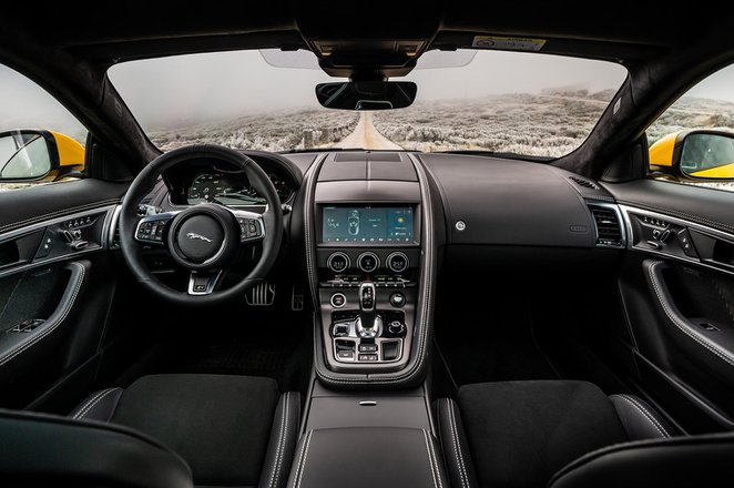 Jaguar F-Type Coupe 2020 RHD dashboard tracking