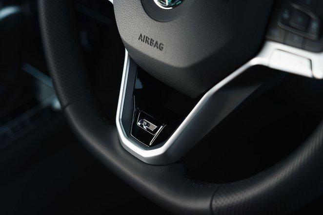 Passat Estate R-line 2020 RHD steering wheel detail