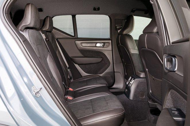 Volvo XC40 2020 RHD rear seats