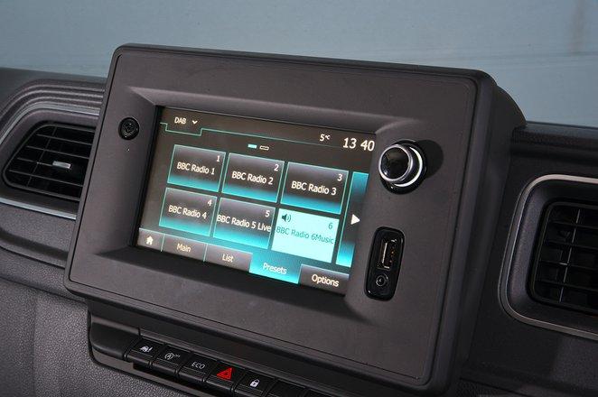 Renault Master 2020 RHD infotainment