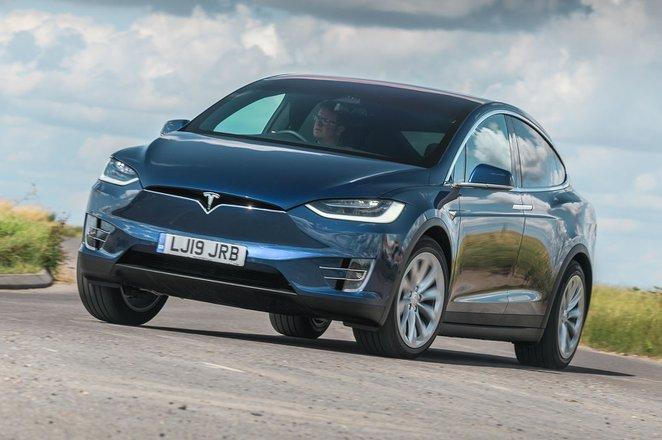 Tesla Model X 2021 RHD front tracking