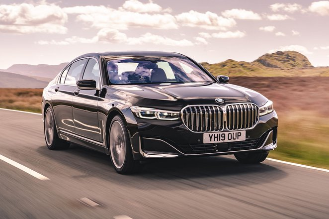 BMW 7 Series 2020 UK Front right tracking shot