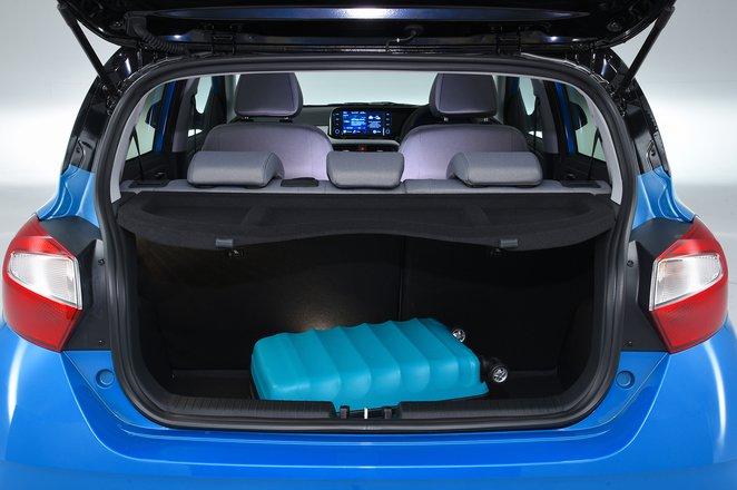 Hyundai i10 boot - 69-plate car