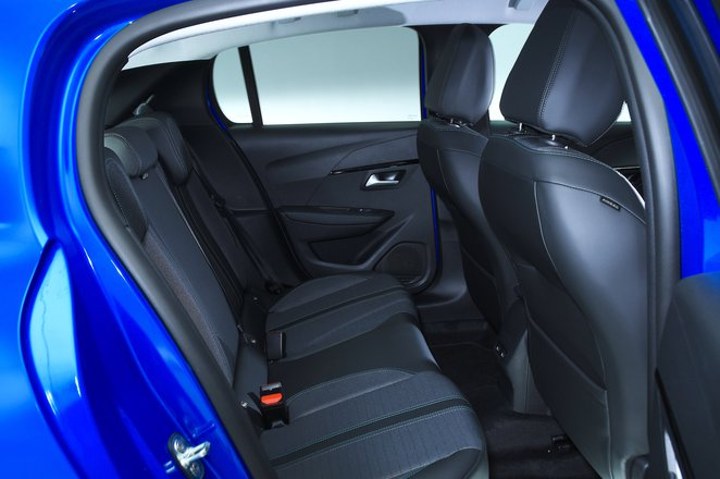 Peugeot 208 rear seats - blue 69-plate car