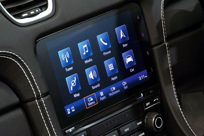 Porsche Cayman 2021 touchscreen