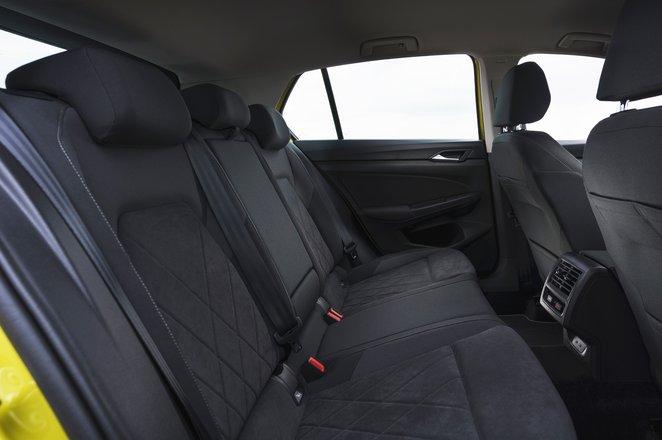 Volkswagen Golf 2021 rear seats