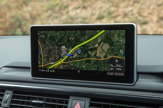 Audi A5 Coupe RHD infotainment