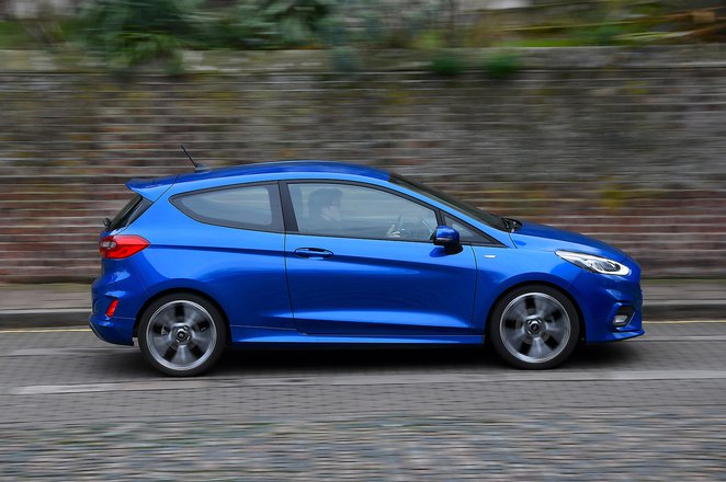 Ford Fiesta ST-line 19 plate panning
