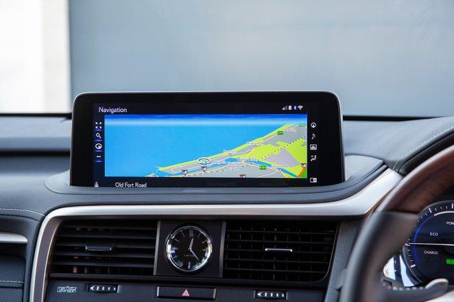 Lexus RX L 2021 interior infotainment