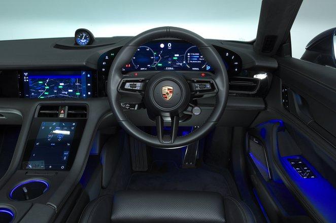 2020 Porsche Taycan dashboard
