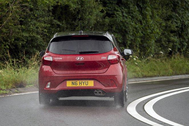 Hyundai i10 2020 rear cornering