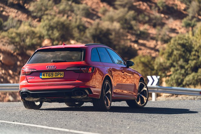 Audi RS4 Avant 2020 RHD rear cornering