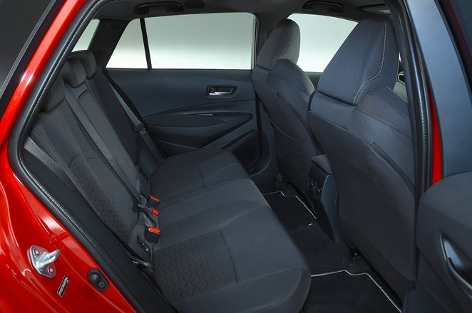 Toyota Corolla Touring Sport 2020 rear seats
