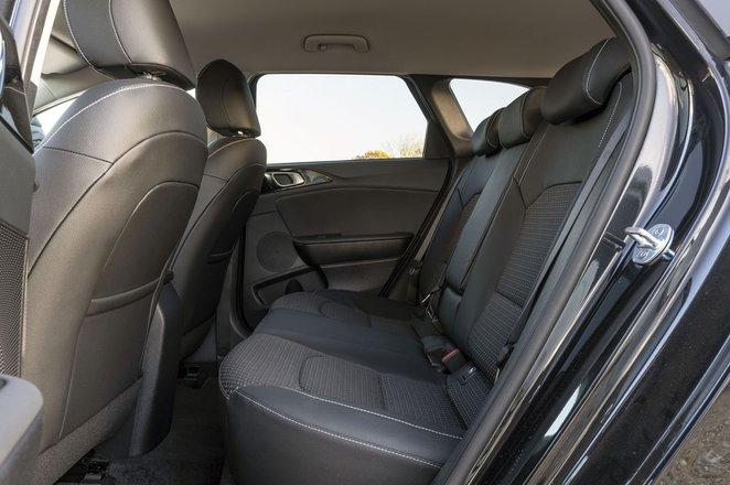 Kia Ceed Sportswagon 2020 rear seats