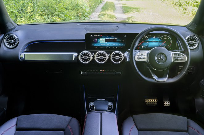 Mercedes GLB 2020 RHD dashboard