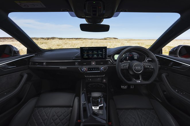 Audi S5 2020 dashboard
