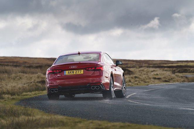 Audi S5 2020 rear cornering