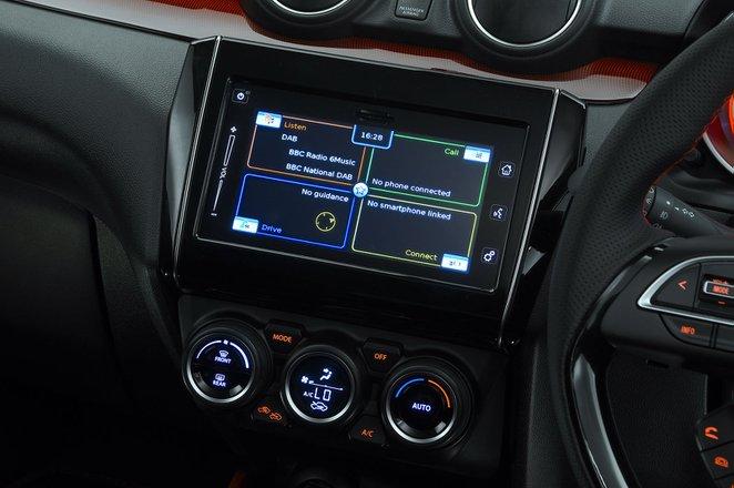 Suzuki Swift Sport 2020 infotainment