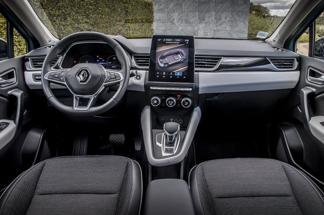 Renault Captur 2020 LHD dashboard