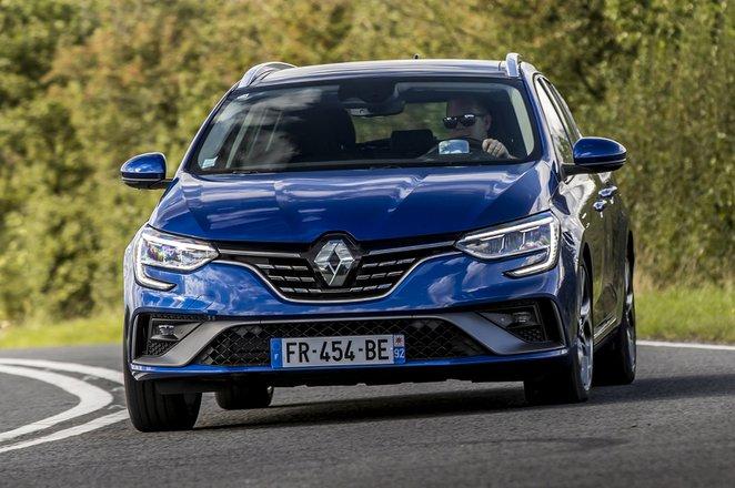 Renault Megane Sport Tourer 2020 front cornering