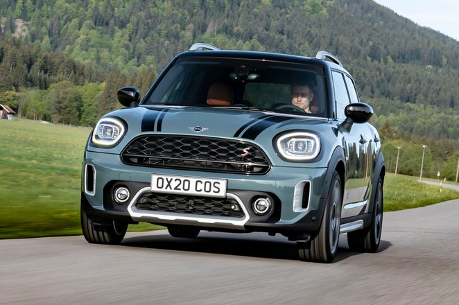 Mini Countryman 2021 front cornering