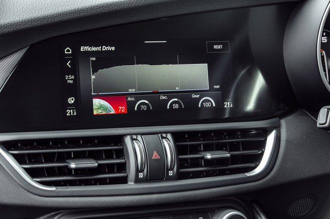 Alfa Romeo Giulia 2020 infotainment