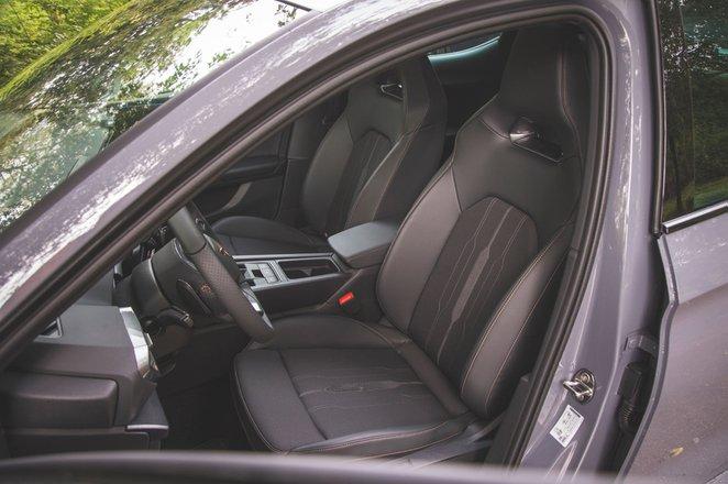 Cupra Leon 2020 front seats