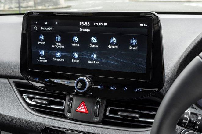 Hyundai i30 hatchback 2020 infotainment