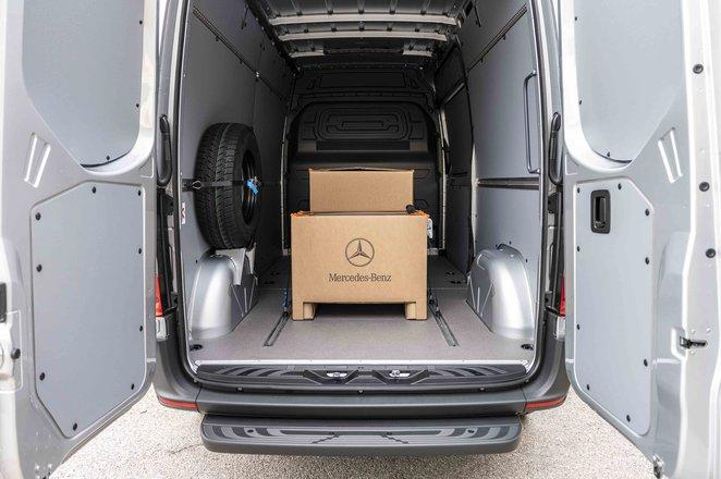 Mercedes eSprinter cargo space