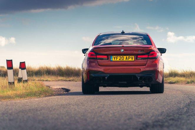 BMW M5 2020 rear cornering