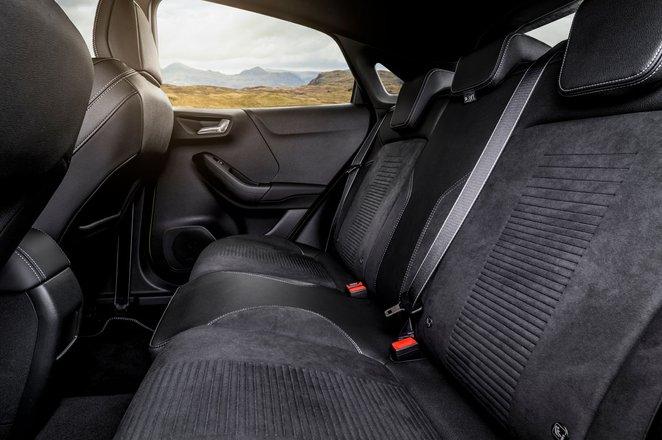 Ford Puma ST 2021 rear seats