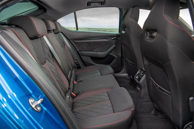 Skoda Octavia vRS Hatchback 2020 Rear seats